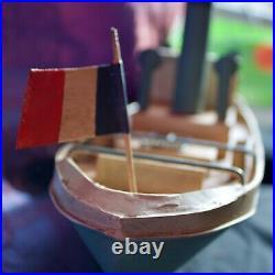 Ancien Bateau-jouet en tôle peinte années 1950 Magnifique état pour collection