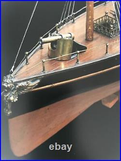 Figure de Proue pour bateau à vapeur Radiguet Griffon en laiton Vers 1890