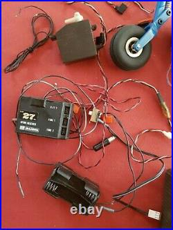 Lot Pour Voiture Bateau Avion Thermique Rc + 2 Télécommandes Moteurs